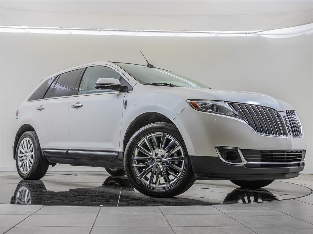 Pre-Owned 2013 Lincoln MKX Factory Wheel Upgrade, Navigation, Wood Package