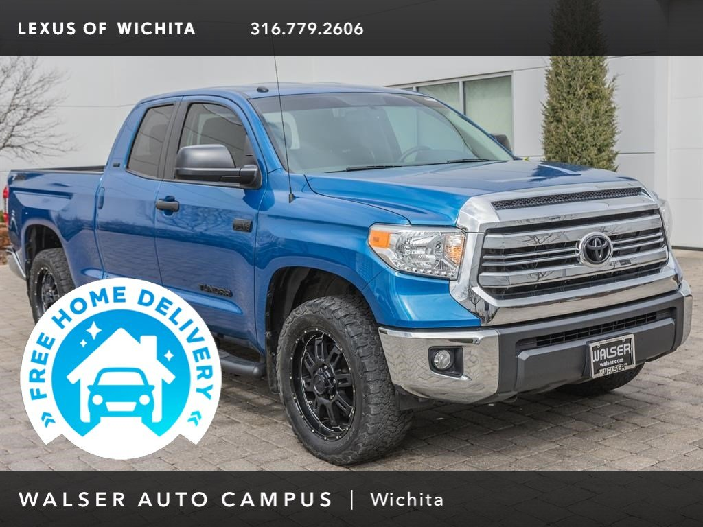 Pre-Owned 2017 Toyota Tundra 4WD SR5 Upgrade Package