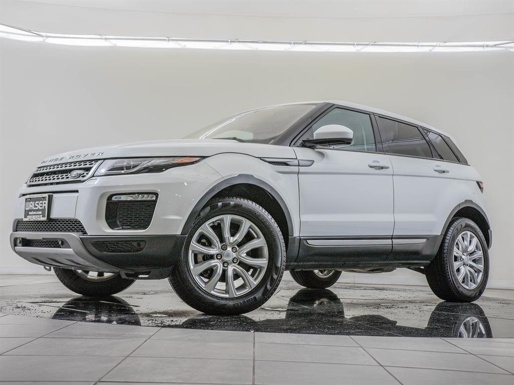 Pre-Owned 2019 Land Rover Range Rover Evoque SE Tech Package