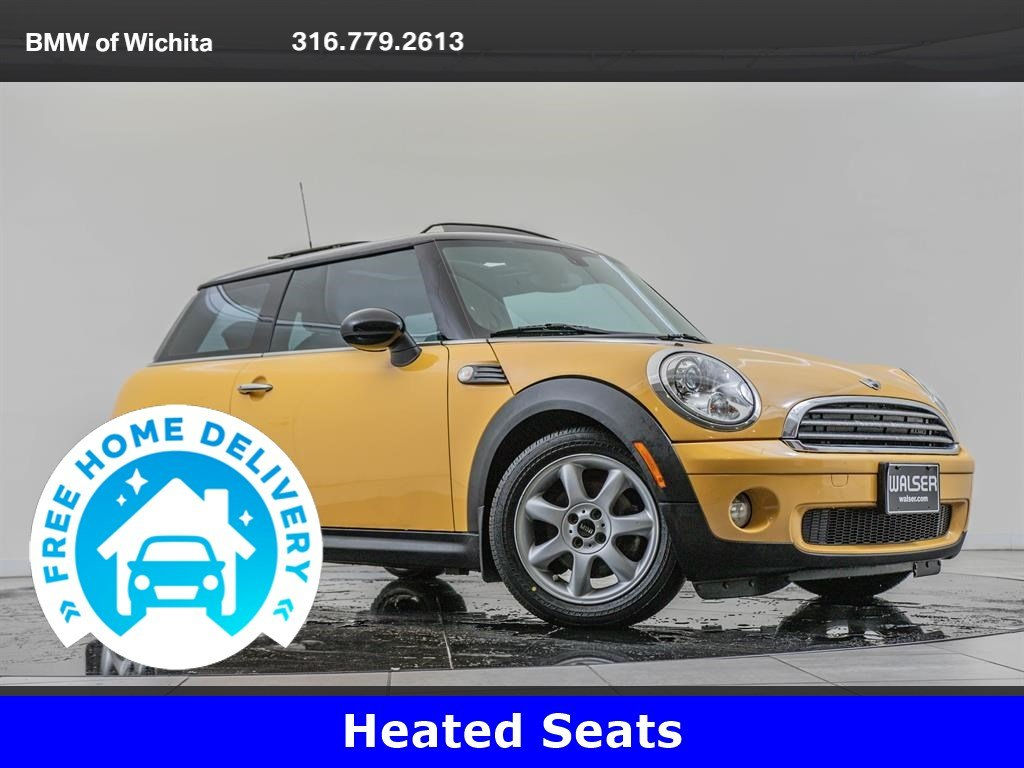 Pre-Owned 2008 MINI Cooper Hardtop Premium Package