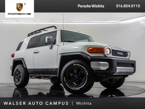 Pre-Owned 2012 Toyota FJ Cruiser JBL Audio, 6-Disc Changer, Keyless Entry