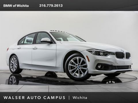 Pre-Owned 2018 BMW 3 Series 320i xDrive, Navigation, Moonroof, Apple CarPlay